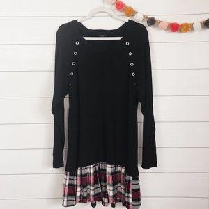 Torrid   Black Ribbed Plaid Ruffle Bottom Sweater